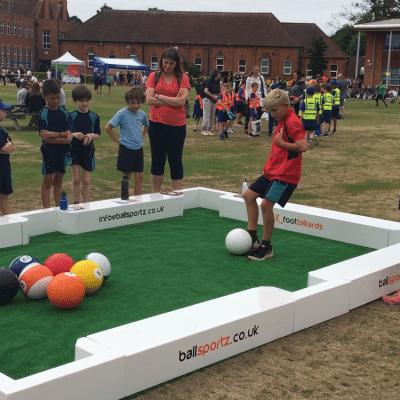1.-footbilliards-merges-football-and-pool